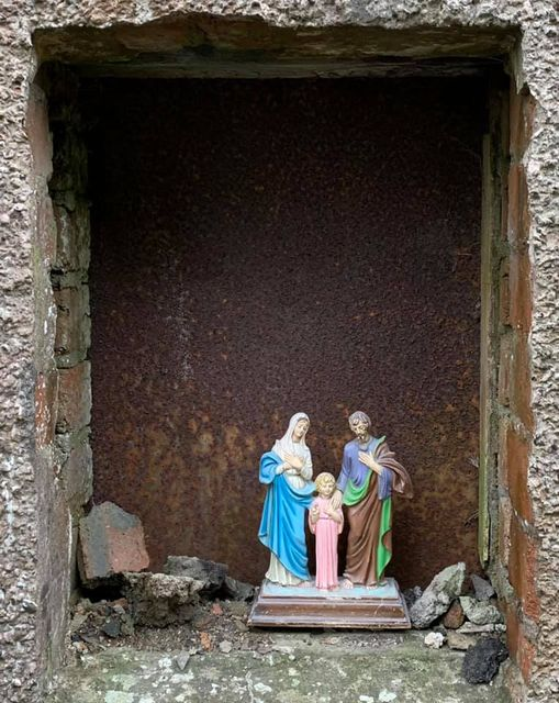 Tannery Hoose Windae #1: Holy Family